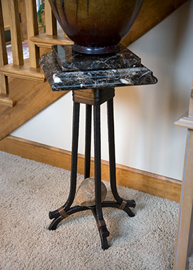 F1-0424 Rock Solid Art Pedestal